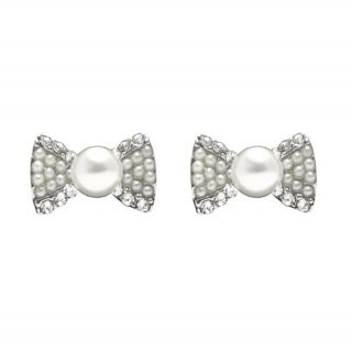 adorable_pearl_bow_studs_xxl